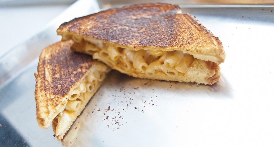 Mac 'n' cheese meets grilled cheese.