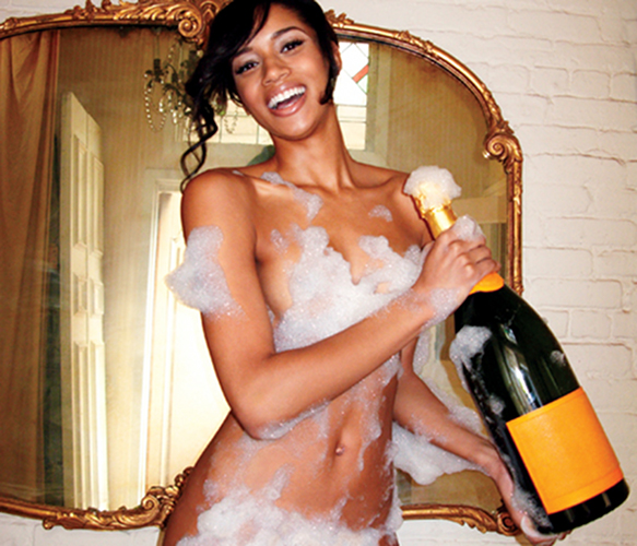 The hot girl way, part 2: Bubbles and bubbly, can't go wrong.