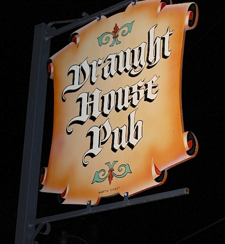 Draught House in Austin, Texas (photo: Flickr/brewerwilson)