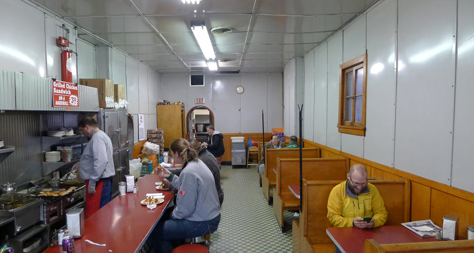The interior of Famous Lunch
