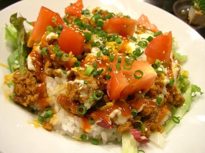 Taco rice (photo: flickr/jetalone)