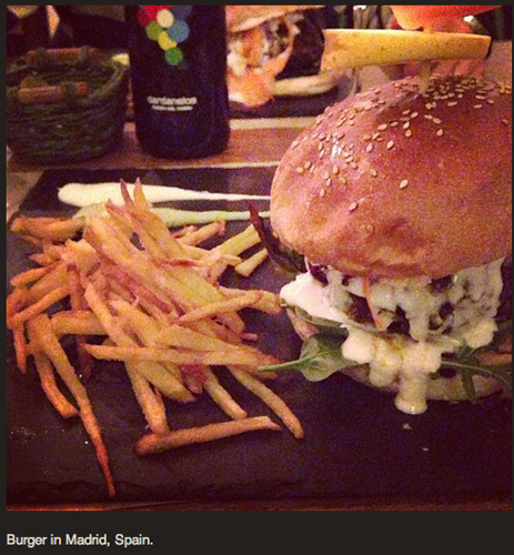 The Food Republic dudes showed us that a good burger can, indeed, be found in Madrid. (Via @foodrepublic)