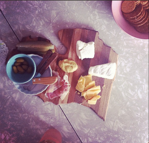 Hungry Girl Por Vida's cheese-plate game is strong. (Photo: @hungrygirlporvida)