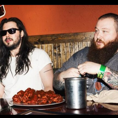Even Action Bronson has trouble powering through a ghost pepper wing challenge during SXSW. (Photo: @bambambaklava)