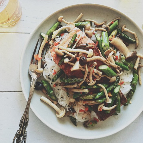 @bevcooks shows up some healthy fish, veggies, and rice noodles.
