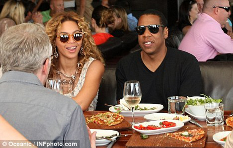 Why It's Awesome: Jay and Bey eating pizza is Fig. 2 of our Illuminati pizza theory.