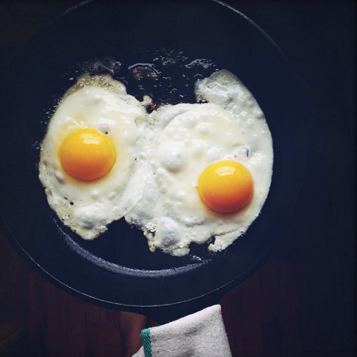These plain fried eggs are what's up. (Photo: @nicole_franzen)