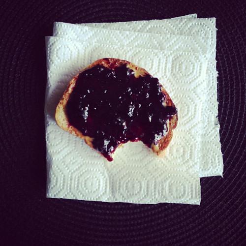 If PB&J toast is wrong… (Photo: @passportsandpancakes)