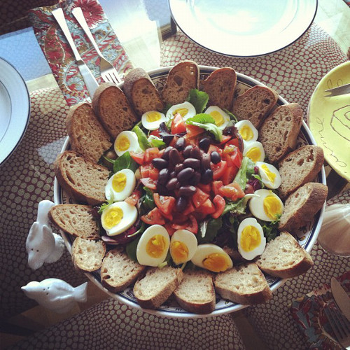 "If this counts as Niçoise salad, we will be eating ""salad"" every day. (Photo: @theforestfeast)"