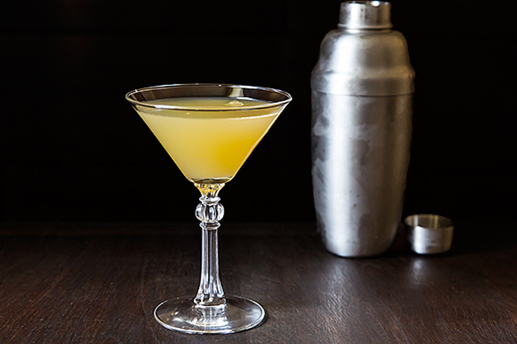Algonquin. We like to picture intellectual types hunched together around a Round Table, drinking this cool but strong drink made of rye whiskey, vermouth and pineapple juice.