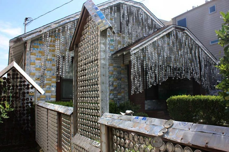 An estimated 50,000 cans of beer adorn the appropriately-named Beer Can House in Houston, TX. (Source)