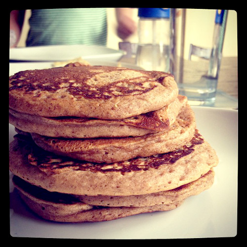 Lucky there's a screen between us and those cinnamon and brown sugar pancakes from @dervlakelly.