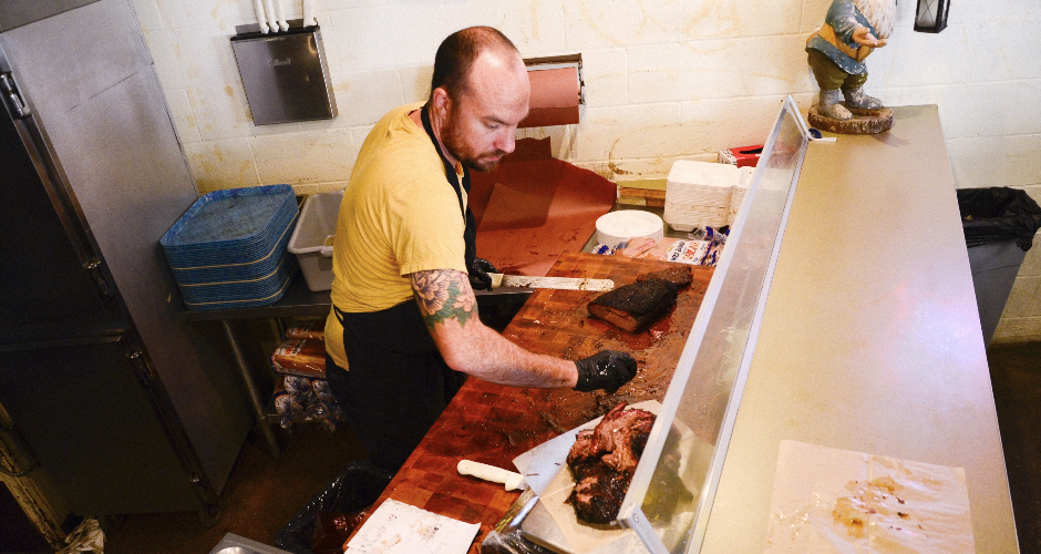 Fiore Tedesco really knows how to slice a brisket.