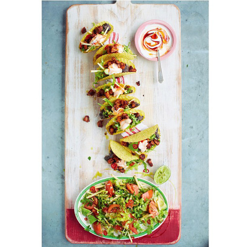 """Hmm, a picknicky meal with finger foods like crispy pork tacos, smashed avocado pickles, and """"love."""" Guess who. (Photo: @jamieoliver)"""