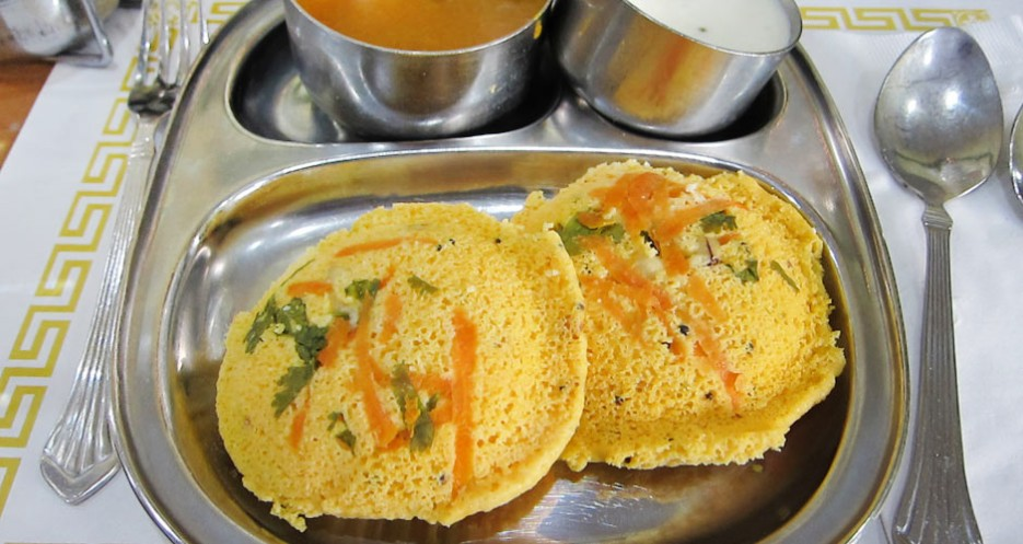 Kanchipuram iddly, dumplings served with yogurt and sambar, are only available on weekends at Sapathagiri.