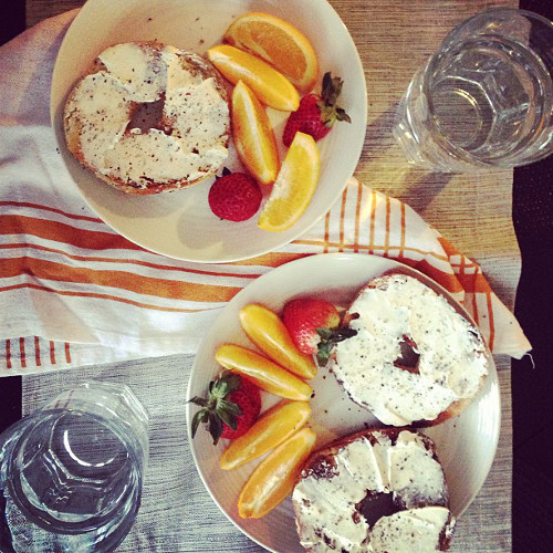 We sort of agree that everything bagels are the best kind of bagels. (Photo: @passportsandpancakes)