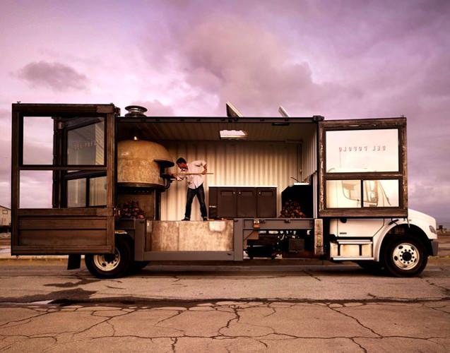 Delpopolo Pizza Truck.