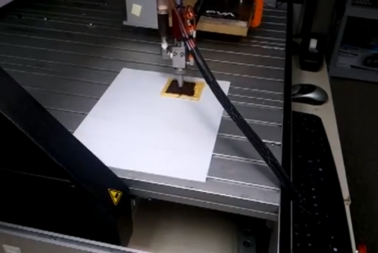 The chocolate printer that first won Arjan Contractor the NASA small business award. (Photo: Extreme Tech)