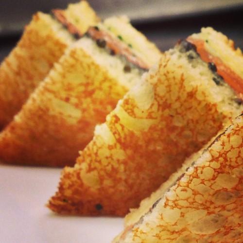 Am I staring at salmon and caviar toasts or Giza? (Photo: @ericripert)