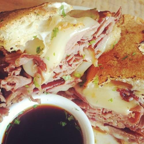 Rib-eye roast French dip, yes please! (Photo: @heirloomla)