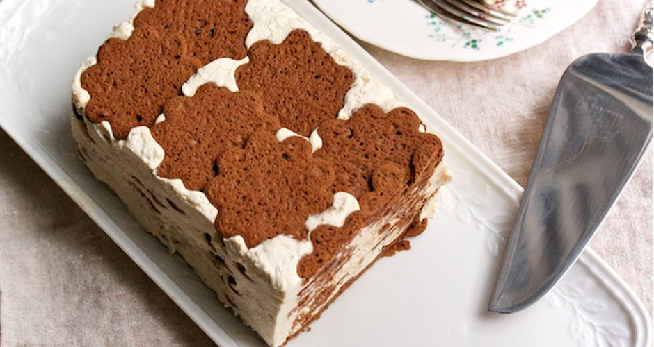 Click through the gallery for step-by-step instructions for making the cake...