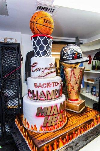 Divine Delicacies' Miami Heat Championship Cake (Photo: Facebook)