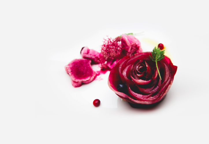 """Quique Dacosta's dish at Cook it Raw Lapland 2010, The rose and the red snow"""