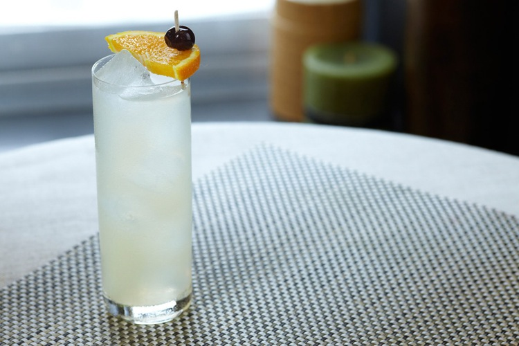Tom Collins. Essentially a grown-up version of lemonade, this drink simply consists of gin, carbonated water, sugar, and lemon juice, sometimes with a maraschino cherry dropped in for fun. It's refreshing and bubbly, without any cheap champagne in sight. The Bar)