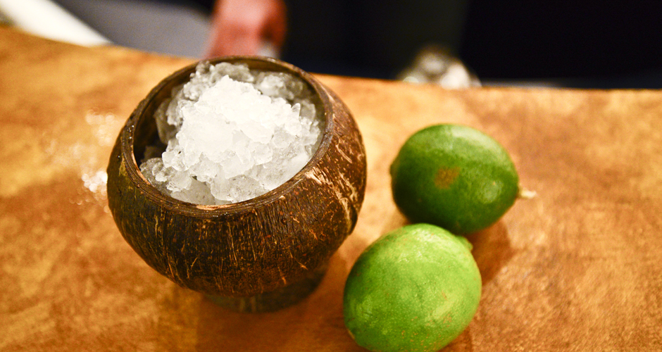 Step 1: Fill a coconut shell glass with crushed ice.