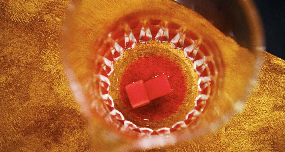 If you are using sugar cubes, allow the bitters to dissolve the cubes.