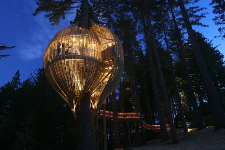 Yellow Treehouse Restaurant. The Little Treehouse Restaurant is built into a remote mountain treetop and becomes something like a lighthouse at night. It may be the most stunning dining experience in the world, no matter if you're there day or night.(Photo: