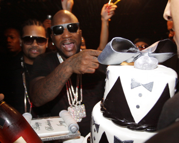 Who:  Young JeezyLevel of absurdity (0-10): 6 It would appear that Jeezy loves cake more than any other rapper, having had Snowman cakes, Louis Vuitton luggage cakes, and album-cover cakes in the past. This tuxedo jumpoff seems like it was sold at half-price after Justin Timberlake cancelled his order.(Photo: Johnny Nunez/WireImage)