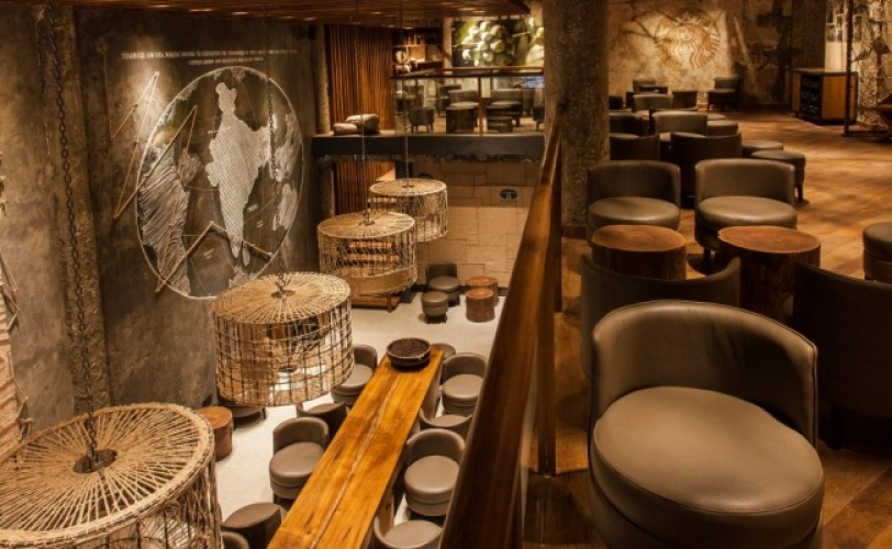 The first flagship Starbucks in New Dehli sports a fancy, modern interior and offers cultural dishes like Murg Makhani Pie and Mutton Seekh in Roomali Roti. (Photo: