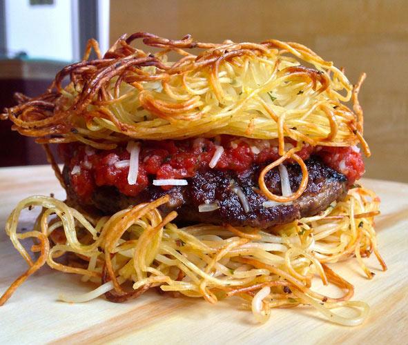 The spaghetti bun burger. (Photo: