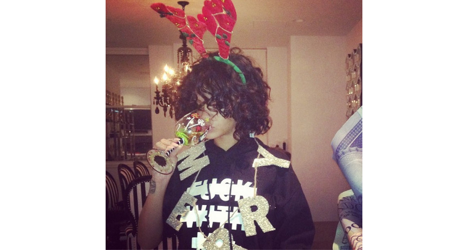 RiRi is giving Christmas wine and decorations the enthusiasm they deserve. (Photo: Instagram)
