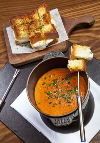 """Grilled cheese and tomato soup """"fondue"""" at Nobhill Tavern in Las Vegas"""