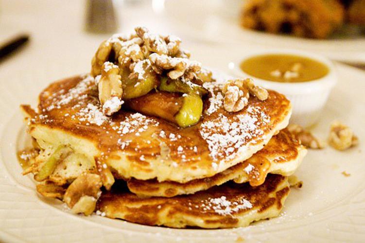 Banana walnut pancakes at Clinton Street Baking Co.  (Photo: Serious Eats)