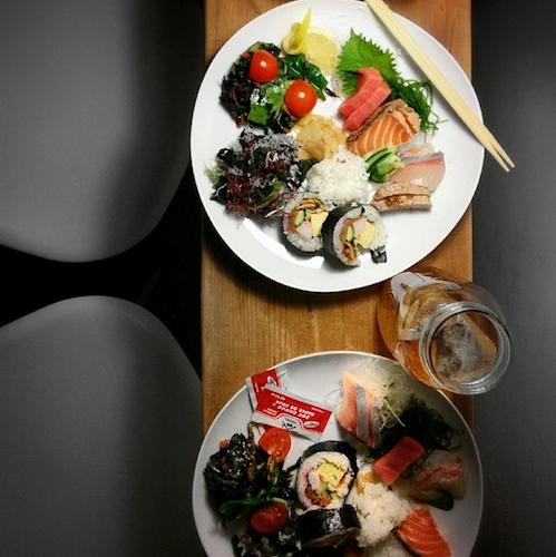 Adam Goldberg's latest drool-worthy dinner. Color us jealous. Photo: @alifewortheating