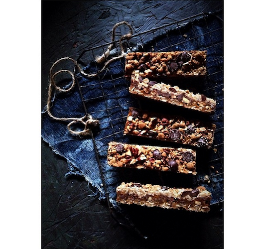 Caramel and pecan chocolita bars are a more grown-up version of the Quaker Chewy Granola Bars we loved as kids. Photo: @bakersroyale_naomi