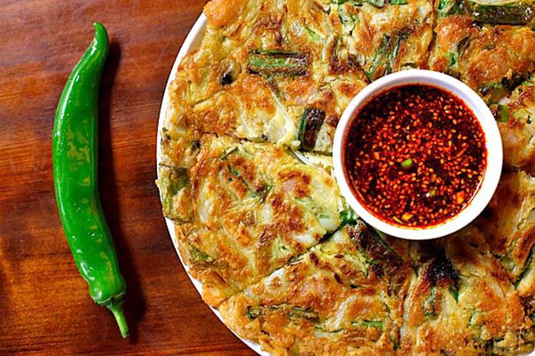 Seafood pancake with chili sauce at Jun Won (