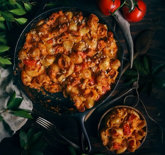 Eva Kosmas Flores from Adventures in Cooking has transformed grilled cheese and tomato soup into a ridiculously decadent slow-roasted tomato macaroni and cheese. Photo: @eva_kosmas_flores