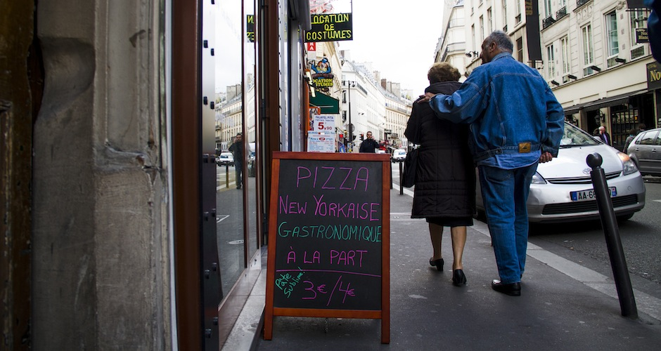 Good pizza places are rare in Paris, but they do exist. Pizza New Yorkaise is not one of them.