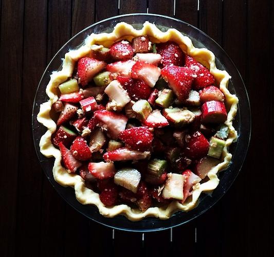 This strawberry rhubarb pie screams spring. Photo: @rachelontheave