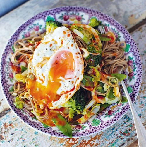 Jamie Oliver's favorite hangover noodles are topped with a fried egg. Photo: