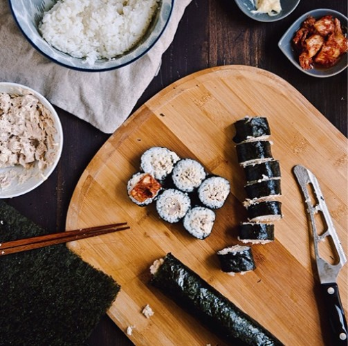 Kimbap and kimchi is a glorious meal. Photo:
