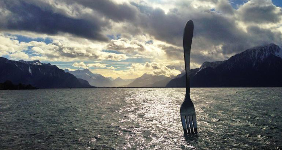 The Alimentarium museum's fork sculpture in Lake Geneva. (Photo: The Alimentarium)