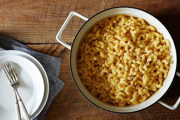 Ridiculously Easy Macaroni and Cheese. A no-fuss, comforting dish that ...