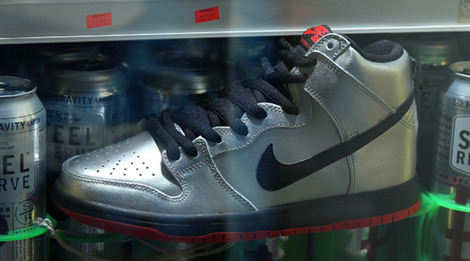 nike-sb-dunk-high-steel-reserve-01
